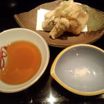 11682885 - 白魚、ごぼうなど季節の天ぷら