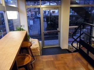 NOZY COFFEE 三宿店 - 4席のみ