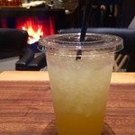 Hakone Bakery Dining&Bar - リンゴジュースと暖炉