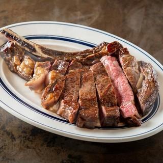 時間をかけて寝かせた熟成肉をステーキでご賞味下さい