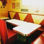MKYアメリカンレストラン - 6名~10名様ほどでご利用頂ける個室もあります。1室しか無いのでご予約はお早めに☆