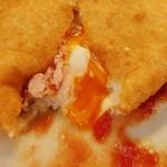 ピッツェリア ラポルタ - イタリアから空輸のミルキーな生モッツァレラと、ハムの塩気やトロトロ卵に、ナチュラルなトマトソースが合う!