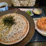たからや - 桜海老のかき揚げとざるそば ¥1250