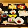 美味心 秀峰 - 料理写真:秀峰湯葉弁当    湯葉刺しの他、煮物、天ぷらにも湯葉が入ってます。食感の違いをお楽しみください。