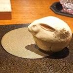 東山 吉寿 - 月とウサギ