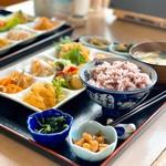 さつまいも農カフェきらら - 料理写真:野菜たっぷり日替わりランチ