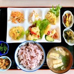 さつまいも農カフェきらら - 古代米・味噌汁・料理10品