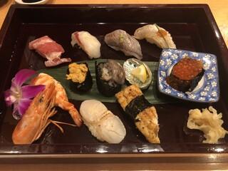 ひょうたん寿司 - 特撰にぎり 2850円(税別)