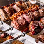シュラスコ&ビアレストラン ALEGRIA - お客様のテーブルに、最高の焼き加減でご提供いたします。
