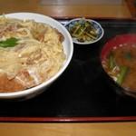 丸一食堂 - 料理写真:カツ丼 850円
