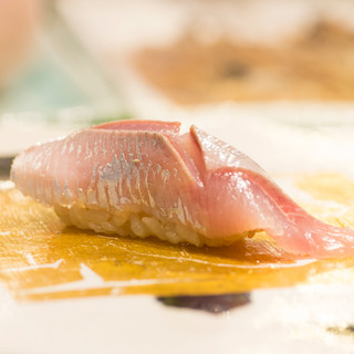 造詣の深さが味に表れる、魚への愛に満ち溢れた握り