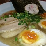 麺屋 すずらん - 鶏出汁のしおラーメン(煮卵トッピング)