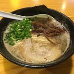 上を向いていこう - 料理写真:麺は熊本麺をチョイス!
