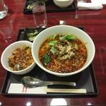 116921952 - 四川坦々麺セット+ミニ麻婆丼