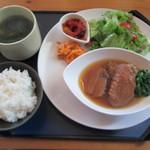 カフェ アマービレ - お肉ランチプレート