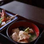 兼六園 三芳庵 - 料理写真:治部煮。ワサビをといてどうぞとのこと