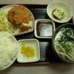 朝日屋 - チキンカツ定食