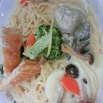 ベリー・ストロベリー - 牡蠣の入ったクリームパスタ