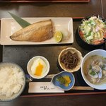 和久 - 料理写真:焼魚とアサリ汁セット@780