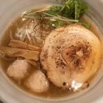 麺処 銀笹 - 料理写真:銀笹らーめん(塩)880円