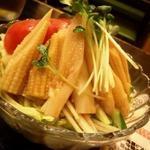 地鶏屋 - 野菜サラダ。