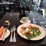 The French Kitchen - サラダ類。