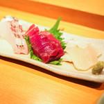Shigeru - お造り。鯛、中トロ、平貝。
