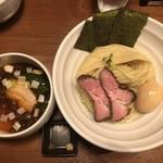 麺処 はら田 - 料理写真:・昆布水の淡麗醤油つけ麺 900円 ・特製 250円