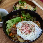 Karankoron - 焼肉丼
