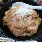 えび伝茶屋 - 豚丼アップ