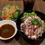 肉バル ミート キッチン 298 - ローストビーフ丼セット(864円)