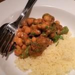 ピッコラ・フェリーチェ - ラム肉のモロッコ風煮込みとクスクス。