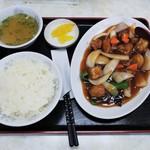 116980098 - 酢豚定食