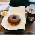 116991966 - チョコレートクリームドーナツ/トールドリップコーヒー