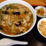 117303 - 広東麺と小チャーハン