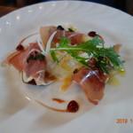 L'AUTRE MAISON 西の洞 - 前菜のイタリア産生ハムとイチジク