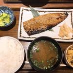 土鍋炊ごはん なかよし - サバのみりんの干し定食