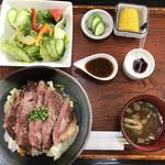 なすとらん - 那須和牛ステーキ丼¥2500