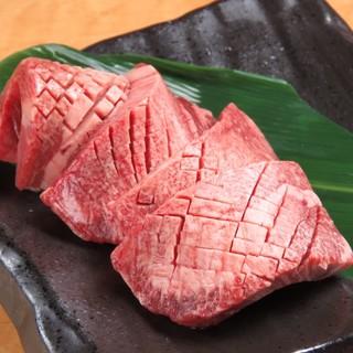 こだわりの焼肉や逸品料理で、美味しいお肉をご堪能ください!