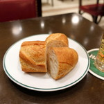 オー バカナル - ランチにつくパン
