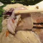 中華そば鷸 - 料理写真:鶏豚出汁ラーメン