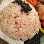 豆こ食堂 やむなし - もちろん五穀米