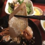 魚眞 - ヒラスの腹部