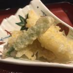 魚眞 - 選べるおかずは 天ぷらにした 3点盛りだけ