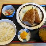 吉田屋食堂 - 料理写真:アジフライ定食700円