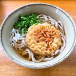 村上 - 料理写真:ソバ(小)&カキアゲ