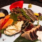 酒肴旬漁 狸穴 - 料理写真:本日の刺身の三点盛(新さんま、秋鮭、かつを)