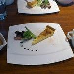 シーズンズ カフェ - 前菜・サラダ・パンです。