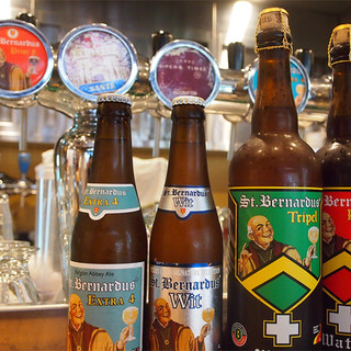 ビール約40種の中から、あなたの人生を変える一杯をご提案◎