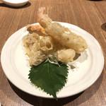 中国薬膳料理 星福 - エリンギと海老の海苔巻揚げ